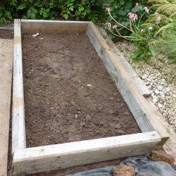 Vorbereitung Hochbeet-Boden und Platzierung